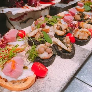 華やかなオリジナルなパーティー料理が大好評!!