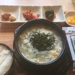 74906515 - マンドゥクック。韓国シチューの入れ替わり。