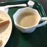 74909383 - ホットコーヒー。                       美味し。