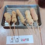 ちゃい九炉 - 肉5本盛合わせ(580円)【平成29年10月16日撮影】