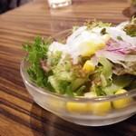 ドン コナ コネリー - サラダ