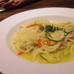 ドン コナ コネリー - シラスと彩り野菜のぺペロンチーノ