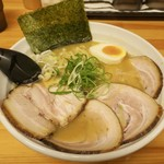 いっぽし - 料理写真:チャーシューめん¥900大盛り¥100 デフォで海苔 ねぎ たまごあり