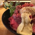 74913645 - ローストビーフ丼M
