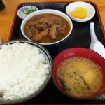 74913666 - モツ煮定食