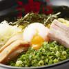 Aburasobatoukyouaburagumisouhonten - 料理写真:トロットロの温玉にシャキシャキネギ