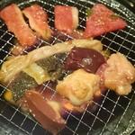 お肉屋さんの焼肉 まるやす -