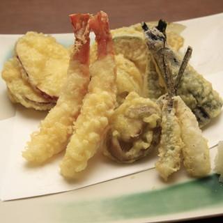 魚料理以外の肉・野菜メニューも充実