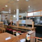 ヤンバル食堂 - 開店直後は空いてます