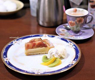 珈琲工房てらまち - とよみつ姫のタルト、ミルクコーヒー