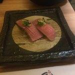 すきやきしゃぶしゃぶ 神戸牛石田 - お寿司。