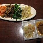 韓国料理 土火土火 - ナムル盛り合わせ&お通し