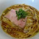 ラーメン リュウグウジョウ - 料理写真:醬油そば750円
