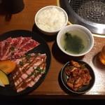 Kandaenzou - ダブルカルビランチ1.020円(税込)             牛カルビと豚カルビの相盛