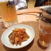 北上ホルモン店 - 料理写真:生大 キムチ 烏龍茶