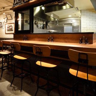 ◆お一人様でも気軽に◆オープンキッチンのカウンター席