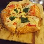 ジガーバル クラシック  - 揚げピザ(マルゲリータ)