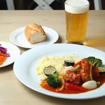 Cafe Apartment 183 - 日替りディナーセット 2,500円(メイン+ドリンク+パンorごはん、ミニサラダ付)