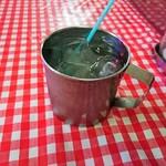 モンティー - 水はマグカップで