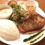 KITCHEN PIGLET - 料理写真:本日のお魚と調理