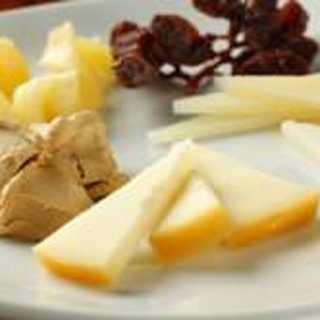【自社輸入】NZ産チーズ、豪州産オリーブオイルも直輸入