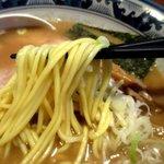 らーめん 木尾田 - 歯応えも良好な中太ストレート麺!