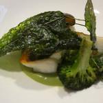 74948602 - 魚料理 旬の鮮魚のポワレあさりとブロッコリーのソース