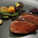 74948603 - 肉料理 スペイン産マグレ鴨のローストポートワインのソース