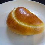 オー・ボン・ガトー・ビゴ - 料理写真:☆『ビゴ』さん…クリームパン(≧▽≦)/~♡☆