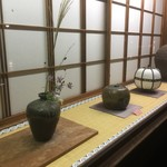 友明堂 - 古美術のお話(u_u)あ〜だこ〜だ 素晴らしい空間で 頂きました(u_u)v 無法庵  奈良国立博物館 目の前で(u_u)v   骨董品屋にしか見えませんが、 喫茶店でもあるのです(u_u)v