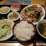 大衆酒場 酔仙 - 蓮根と豚肉炒め定食830円