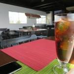 ゲストハウス ゲラゲラ - 100%ビーフハンバーガー、ドリンクはコーラにしました
