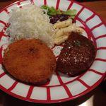 SAKE bistro W by夢酒 - (火曜日)イベリコ豚のコロッケ & ハーフハンバーグセット
