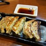をうみ - 餃子5個(340円)