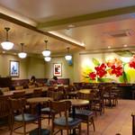 スターバックス・コーヒー - 店内風景(2階)。