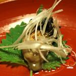 明神下 神田川 - お通し 牡蠣の胡麻油漬け