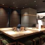 大阪うなぎ組 - 店内大テーブル席