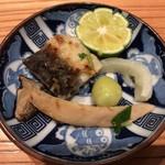 大阪うなぎ組 - うなぎと松茸の土瓶蒸しの具