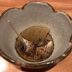 大阪うなぎ組 - 前菜:バイ貝と大根のたいたん