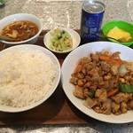 百菜 - 鶏とカシューナッツ炒め定食