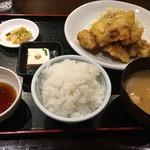 とり天 ルドゥー - とり天定食(800円)