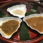 蓮双庭 - ヨシキリザメとモウカザメのフカヒレ煮込みの食べ比べ  雌上海蟹の味噌で