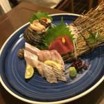 すし丸本店 - 今日も鯛は美味かった!