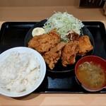 からあげ日本一 - 料理写真:からあげ定食(626円)