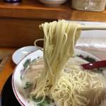虎と龍 たっちゃん - 2017年10月18日  麺リフト(粉おとし→バリカタでの提供)