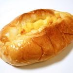 74979409 - チーズパン