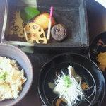 フレンチレストラン 蔦の葉 - 和ランチ ¥2940 ご飯、吸い物