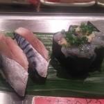 魚がし日本一 - しめ鯖と生しらす 1貫100円+税