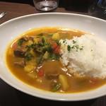 Sumiyakiandowainrizaburou - 牛タンのスープカレー