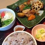 大戸屋 ごはん処 - 鶏と野菜の黒酢あん定食